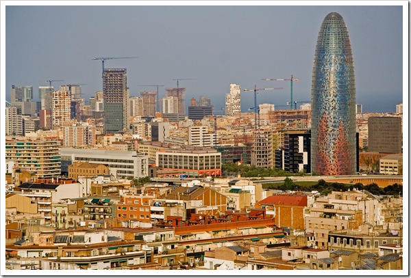 01037_Roofs_of_Barcelona_and_Torre_Agbar