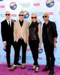 Nữ ca sĩ Gwen Stefani và các thành viên khác của nhóm No Doubt - Teen Choice Awards 2012 (15)