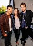 Taylor Lautner  - Teen Choice Awards 2012 (19)