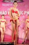 Chung kết Hoa hậu Việt Nam 2012 - Đặng Thị Lệ Hằng SBD 126. Cao 1,73m. Số đo ba vòng 78-62-86.