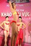 Chung kết Hoa hậu Việt Nam 2012 - Nguyễn Thị Mỹ Hanh, SBD 138. Cao 1,71m. Số đo ba vòng 82-57-86.