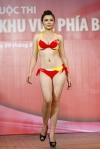 Chung kết Hoa hậu Việt Nam 2012 - Nguyễn Thị Truyền, SBD 569. Cao 1,65m. Số đo ba vòng 87-64-89