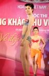 Chung kết Hoa hậu Việt Nam 2012 - Nguyễn Thu Thảo, SBD 315. Cao 1,68m. Số đo ba vòng 77-62-88.