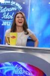 Vietnam Idol 2012 tập 2 - Mỹ Tâm cười sảng khoái