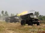 Các dàn pháo BM-21 thay nhau bắn phá mục tiêu
