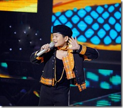 chiec_khan_pieu_nguyen_quang_anh_giong_hat_viet_nhi_the_voice_kids_tap_9_27-7-2013_video_clip