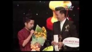 Quang Anh nhận giải đặc cách Mai vàng >> XEM TRÊN YOUTUBE: http://www.youtube.com/watch?v=FrCrsG1UHq4&list=UUYtzcwqCDkrD9GgT2HZeoGA